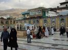 45Teherániak a mecset udvarán